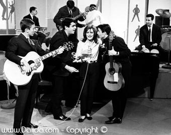 FRANK ALAMO, ALAIN BARRIÈRE, ENRICO MACIAS  et DALIDA / 1964